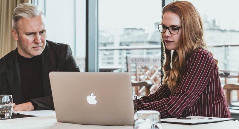 5 raisons d'offrir une formation en ligne à vos employés