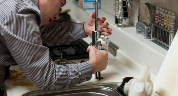 Un souci dans la maison? Quel artisan appeler?