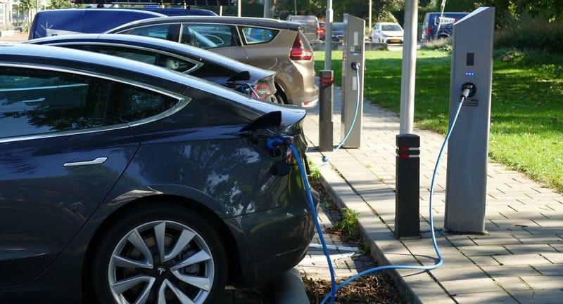 Comment trouver une borne de recharge pour voiture électrique?